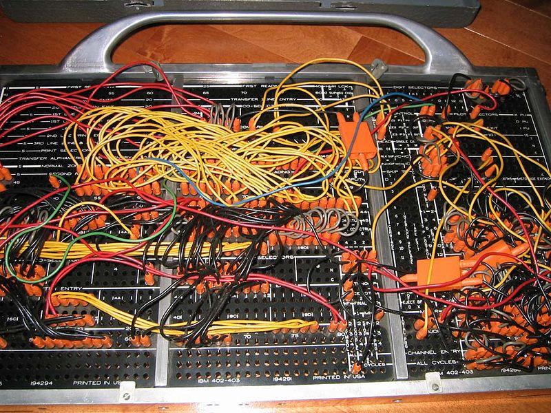 800px-IBM402plugboard.Shrigley.wireside